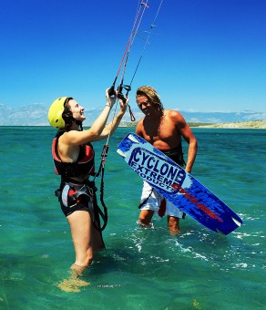 Learn to kitesurf in the best conditions
